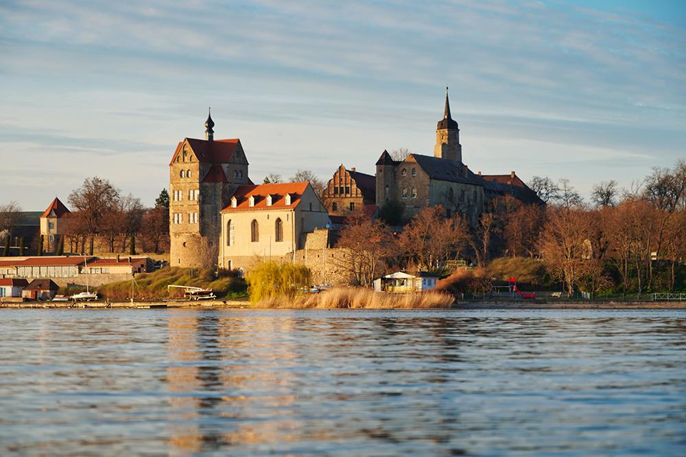 Seegebiet Mansfelder Land - Schloss Seeburg Im Herbst