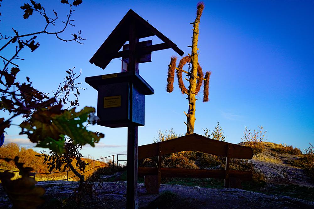 Südharz Karstwanderweg - Stempelstelle an der Queste